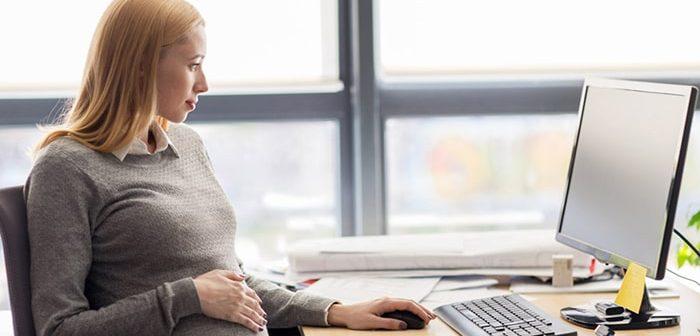 13 cách giữ sức khỏe cho bà bầu tại văn phòng làm việc