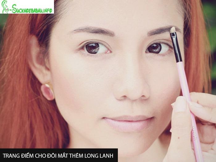 Trang điểm cho đôi mắt thêm long lanh