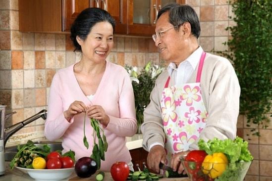 Phụ nữ tuổi 50 nên ăn gì tốt nhất cho sức khỏe? 1