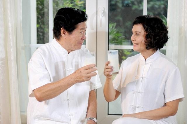 Phụ nữ tuổi 50 nên ăn gì tốt nhất cho sức khỏe? 4