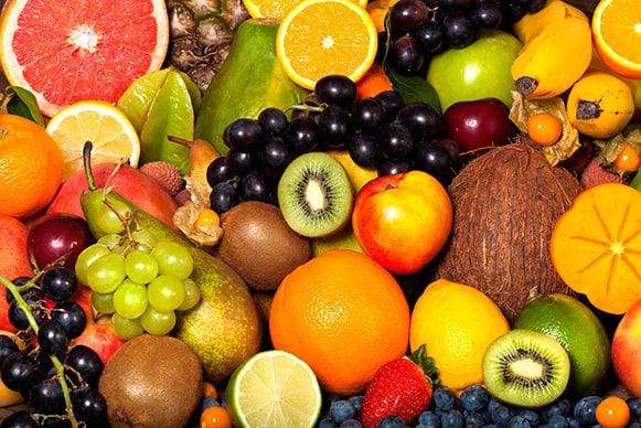 Người sinh mổ nên ăn hoa quả có hàm lượng cao sắt, vitamin C