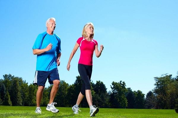 4 bài tập thể dục chữa đau lưng tốt cho dân văn phòng 2