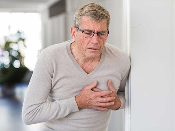 Khó thở, tức ngực kéo dài là biểu hiện của bệnh gì? 3