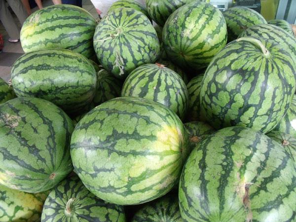 Dưa hấu chứa nhiều kali, vitamin C, can-xi