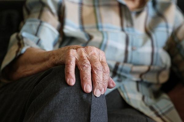 Mối quan hệ giữa trầm cảm kháng trị và bệnh Parkinson 2