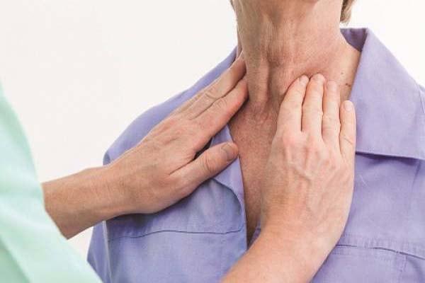 cách nhận biết bệnh bướu cổ bạn phải biết 2