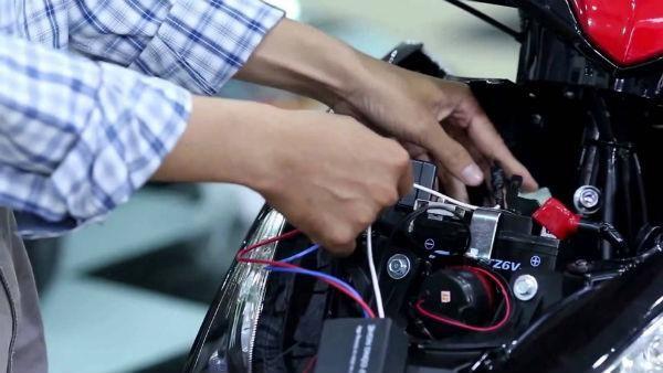 Cách khắc phục ổ khóa xe máy khi bị kẹt