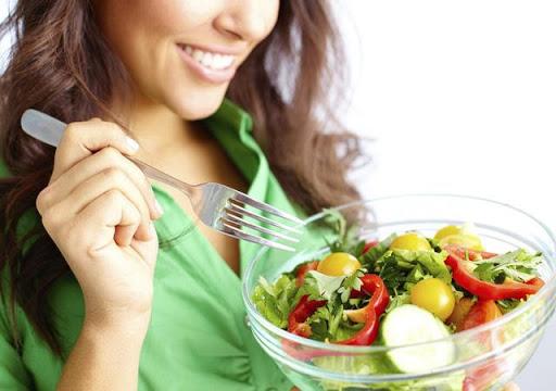 Chế độ ăn lành mạnh là ưu tiên hàng đầu để có vóc dáng đẹp sau sinh
