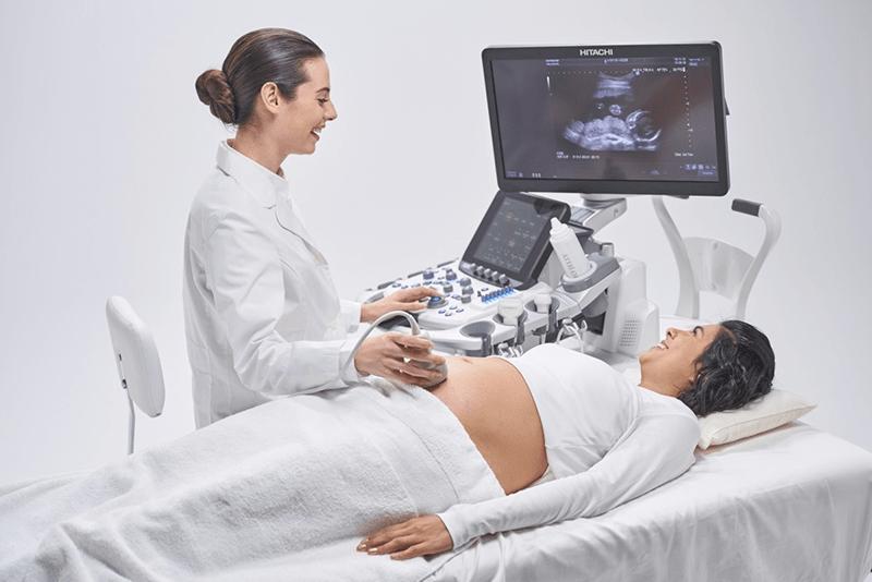 Sau khoảng 5-6 tuần mẹ có thể siêu âm lần đầu tiên