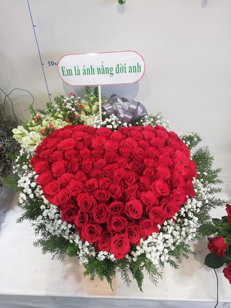 Sinh nhật vợ nên tặng hoa hồng nhung