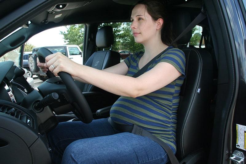 Thắt dây an toàn đúng cách khi lái xe