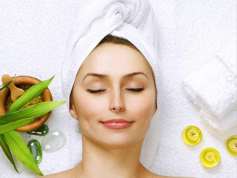 Chăm sóc da mặt mỗi ngày để cải thiện làn da ở phụ nữ tuổi 40