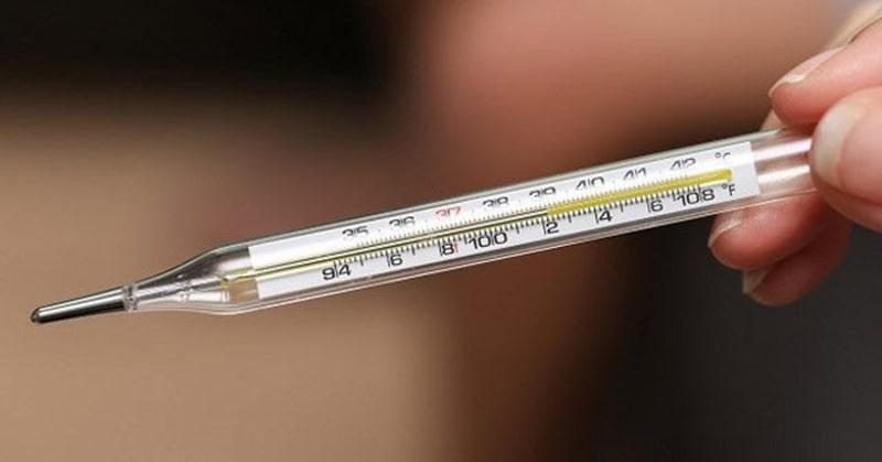 Nhiệt độ cơ thể người có bầu tuần đầu thường tăng nhẹ
